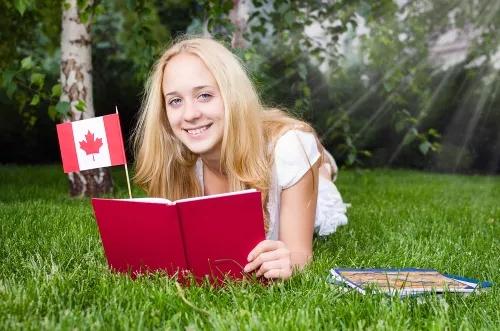 加拿大大学分布有何特点,哪些省教育资源丰富?