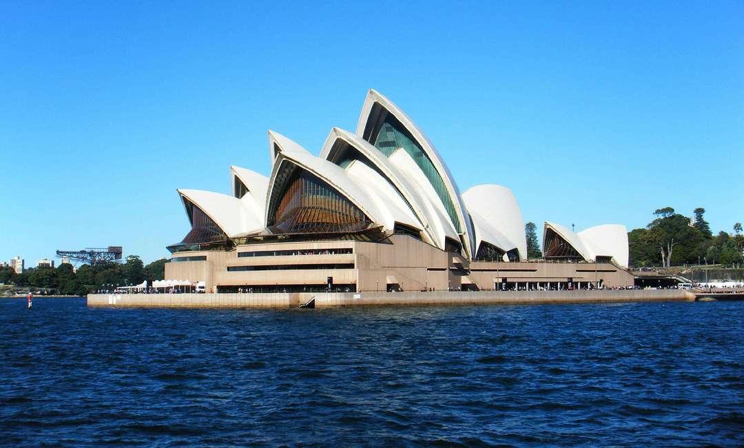 澳洲三年制本科可以申请英美硕士吗?