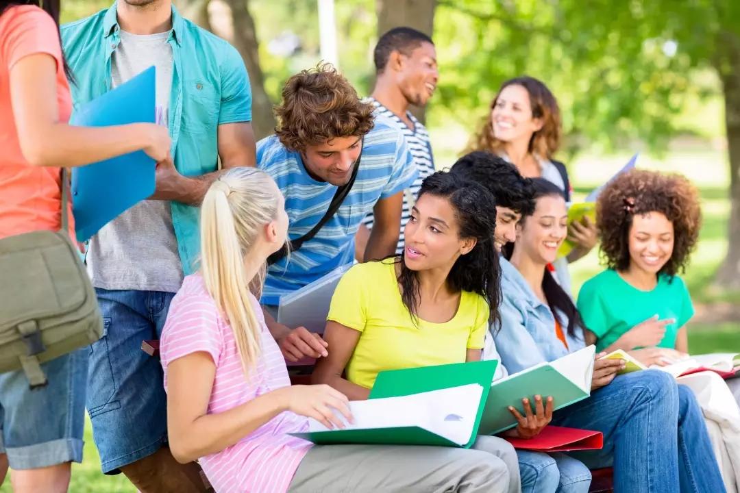 各国留学生毕业工签大PK!哪个国家最友好?