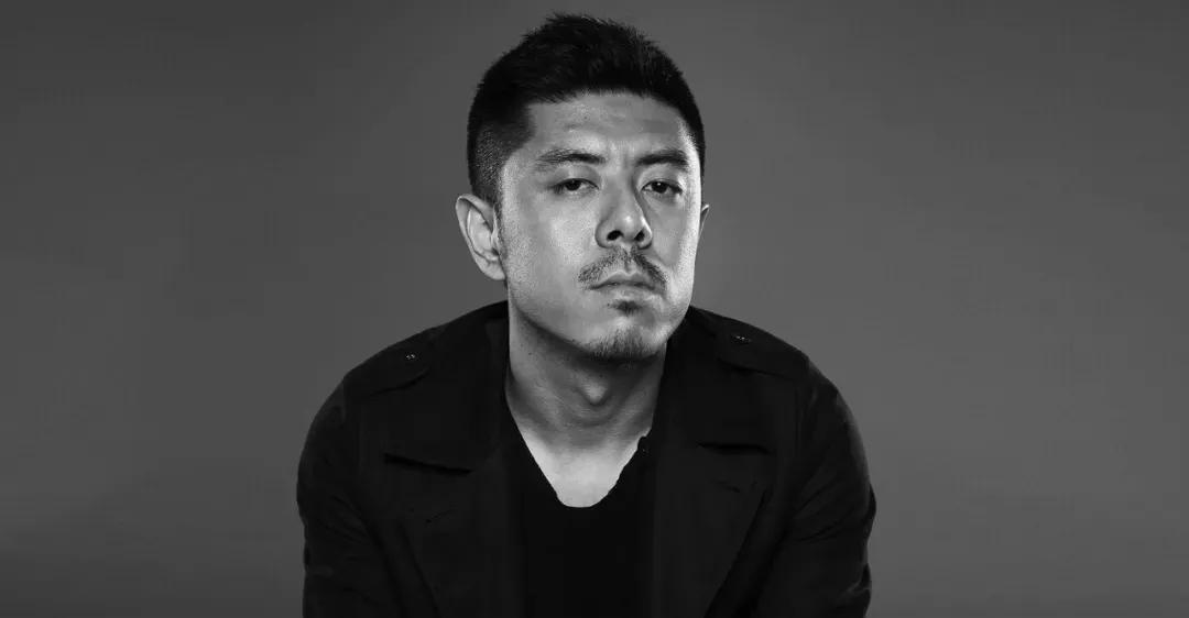 中国建筑大师马岩松最新作品被网友质疑!被黑16年争议不断